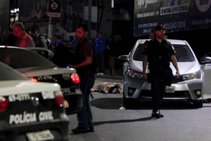13out2017—na-baixada-fluminense-na-cidade-de-sao-joao-de-meriti-o-dono-do-parque-de-diversoes-playcity-e-um-pm-foram-assassinados-durante-uma-tentativa-de-assalto-o-caso-ocorreu-perto-