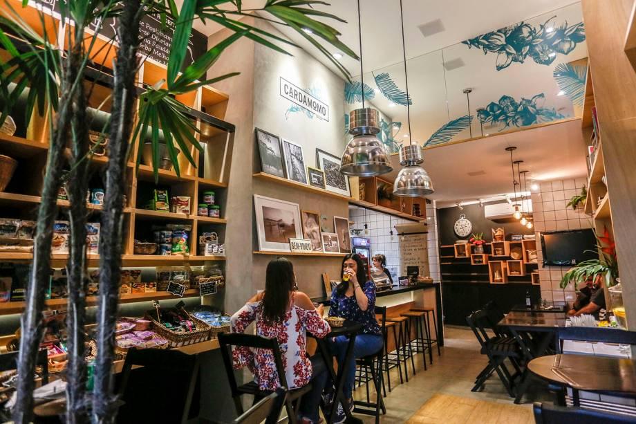 O charmoso ambiente da casa: café e empório de produtos naturais