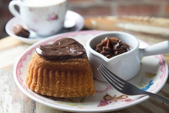 Agatha Chocolates; bolo de cenoura com brigadeiro