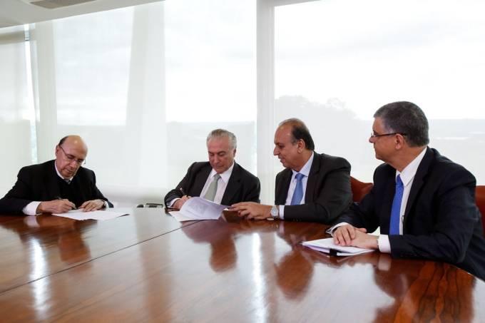 Assinatura contrato II – 15.12.2017
