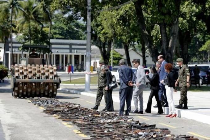 Destruição de armas – Tânia Rêgo, Agência Brasil