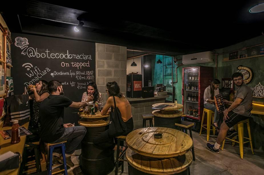 Boteco Dona Clara: o food truck ganhou ponto fixo em Laranjeiras com cervejas artesanais