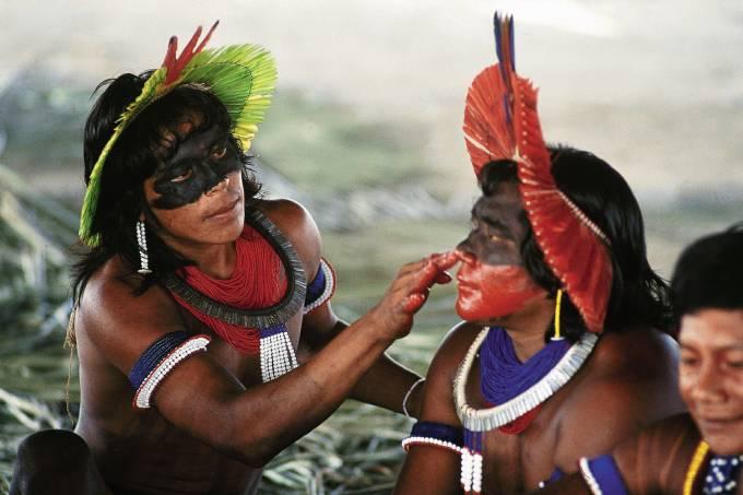 Índios caiapós