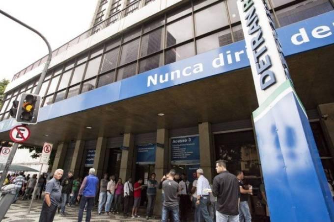x72842037_RI-Rio-de-Janeiro-RJ-06-11-2017-Fila-no-DetranFila-de-espera-para-atendimento-devido.jpg.pagespeed.ic.inoO197jAe