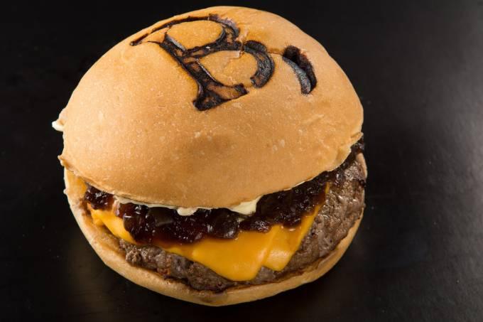 B de Burger_B de Burger_Lipe Borges01