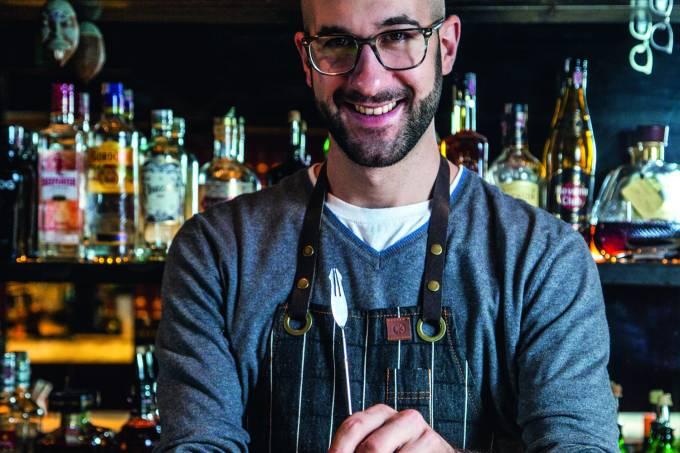 Fabio la Pietra, bartender do bar SubAstor