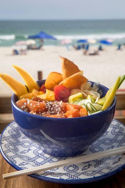 Hula Hula: o poke havaiano de atum e salmão (R$ 29,00) é a sugestão para o prato principal