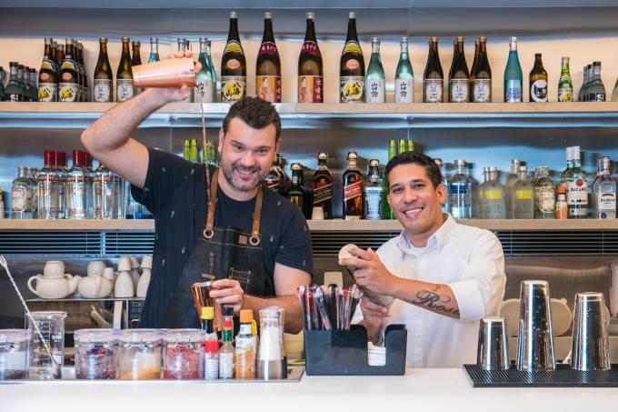 Alex Mesquita e barman