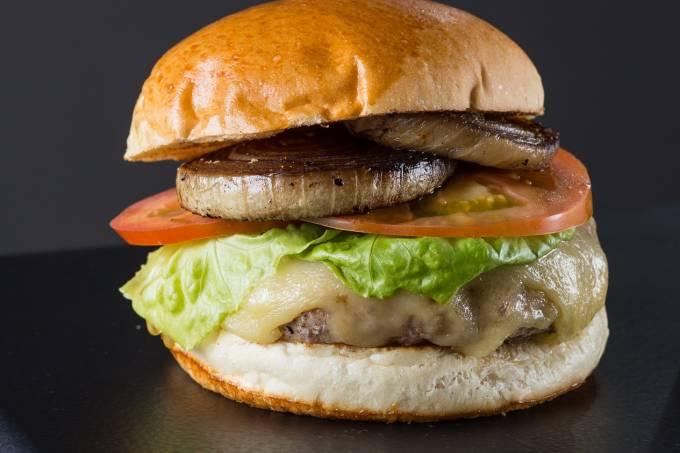 Burgertopia; Cheesesalada