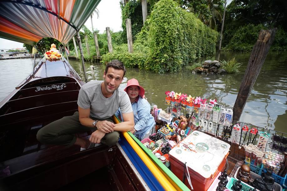 Mercado flutuante de Bangkok: destaque na terceira temporada