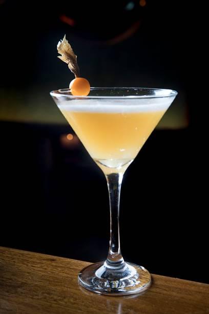 Perfetto lemone: bourbon, limoncello, sour mix, maracujá e pimenta (R$ 32,00)