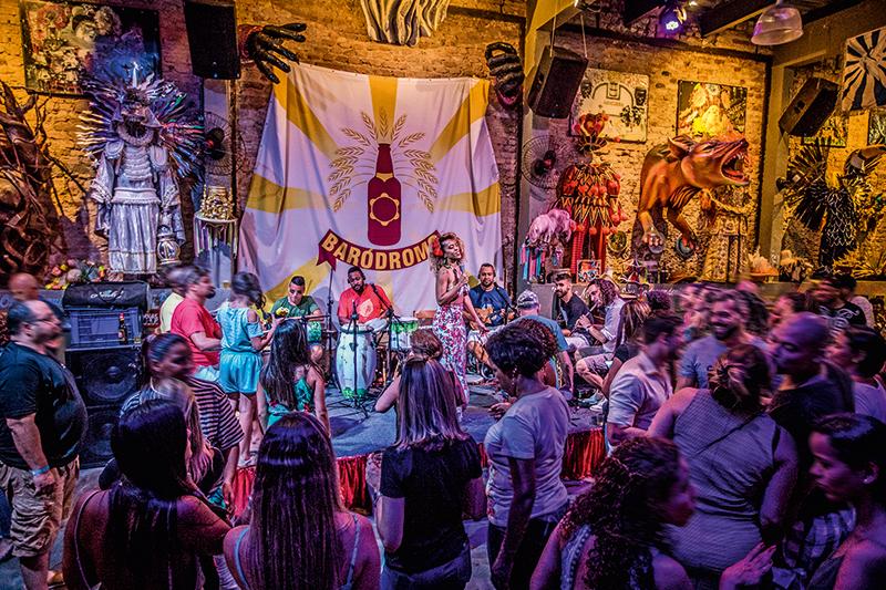 Baródromo: samba na decoração e na trilha sonora ao vivo