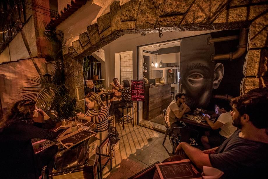 Cobre: pizzas, carnes e drinques em um charmoso casarão no Humaitá