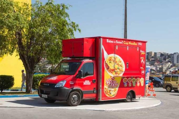 food-truck-cup-noodles-nissin-696×435