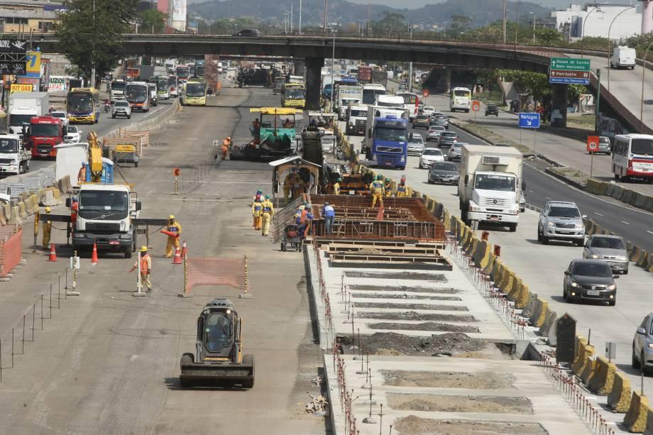 BRT Transbrasil em marcha lenta:O corredor expresso, que deveria ter sido concluído em 2017, é uma das 300 obras inacabadas na cidade