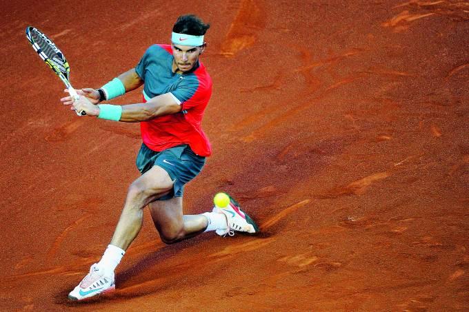O tenista espanhol Rafael Nadal durante partida contra o tenista ucraniano Alexandr Dolgopolov pelo Rio Open 2014 no Jockey Club