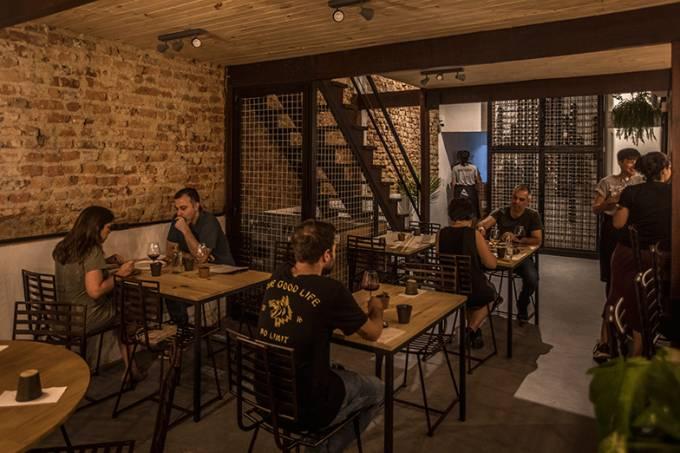 Cru Natural Wine Bar