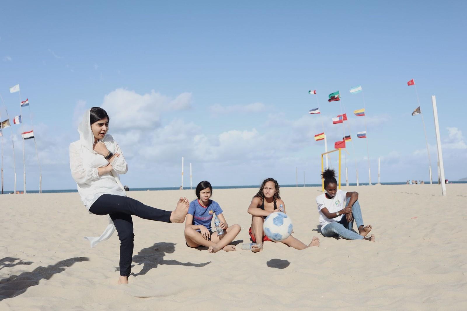 malala futebol praia