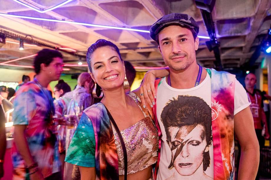A cantora e atriz Emanuelle Araujo com o marido, Fernando Diniz