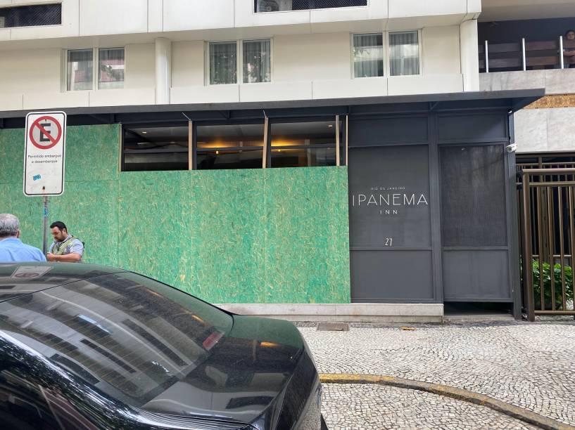 Ipanema Inn, na Rua Maria Quitéria: tapume