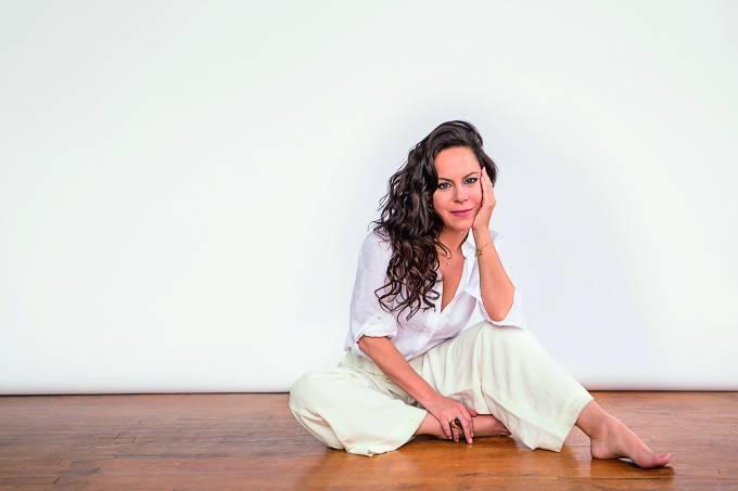 Bebel Gilberto, cantora.