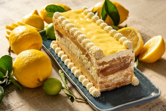 Bolo de Limão-Siciliano com Curd de Limão e Buttercream de Baunilha_Otávia Sommavilla_Cred Romulo Fialdini (1)