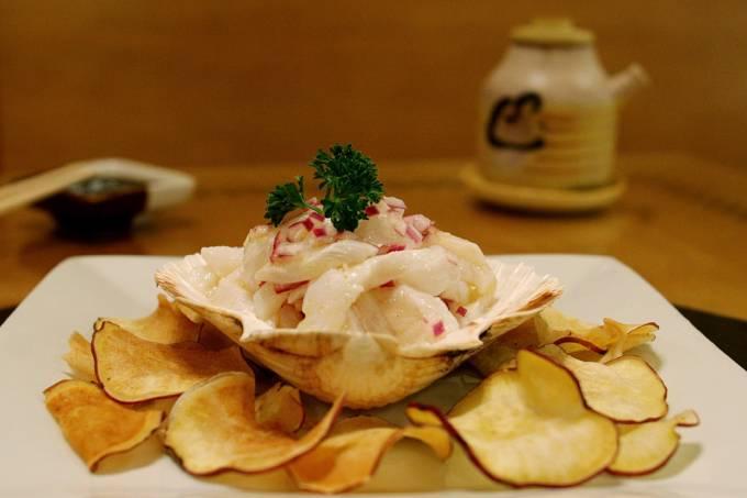 Origami_ceviche de linguado ao cítrico com chips de batata doce_crédito Origami (2)