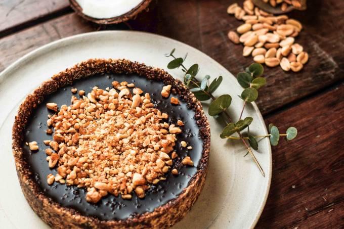 Conflor – Torta de Chocolate com Crocante de Amendoim 1 – Foto Klacius Ank – em baixa