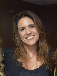 Professora Aline Albuquerque