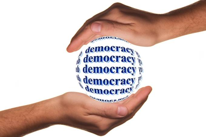 Democracia-pixabay-Gerd-Altmann-