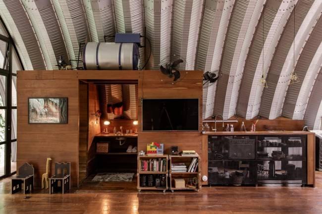 E um canto da sala. Adoro essa casa!