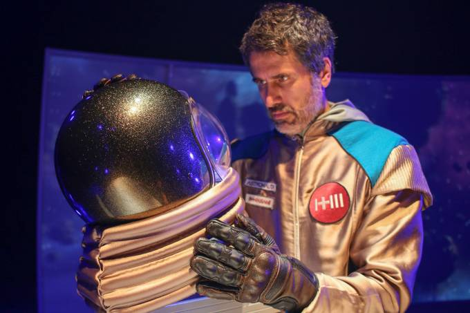 Eriberto Leao em O Astronauta, foto Emmanuelle Bernard2
