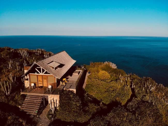 A casa de Arraial: mesmo lá, é possível viajar para se conectar com natureza e manter o o isolamento