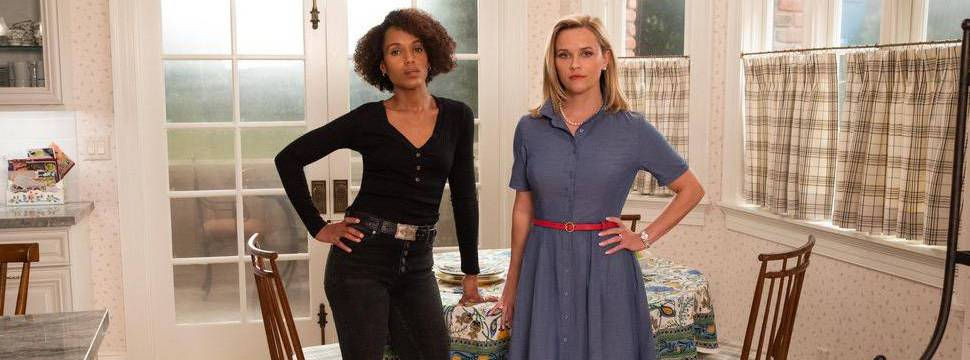 Kerry Washington e Reese Whiterspoon no cenário da série