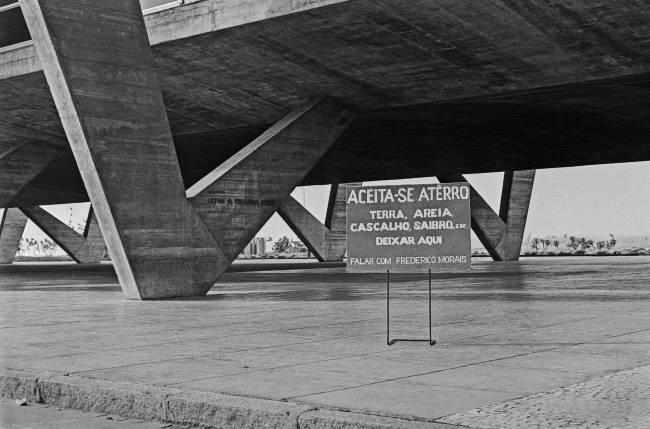 Placa de Frederico Morais no MAM, 1971,
