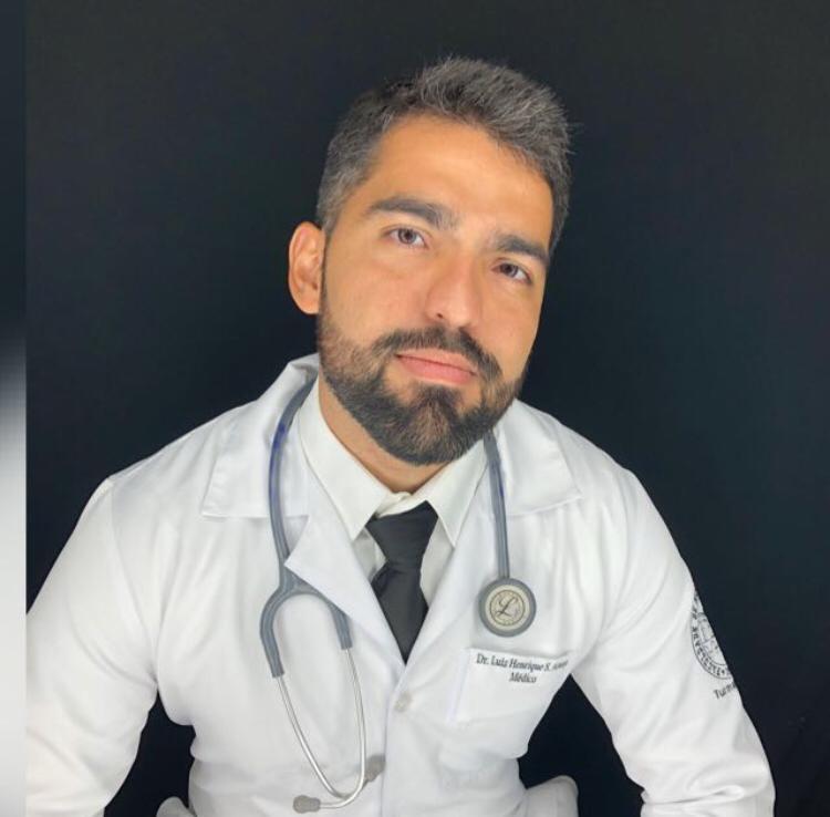 O médico Luiz Henrique dos Santos Araújo, de 27 anos: formado na Universidade Estácio de Sá (Presidente Vargas)