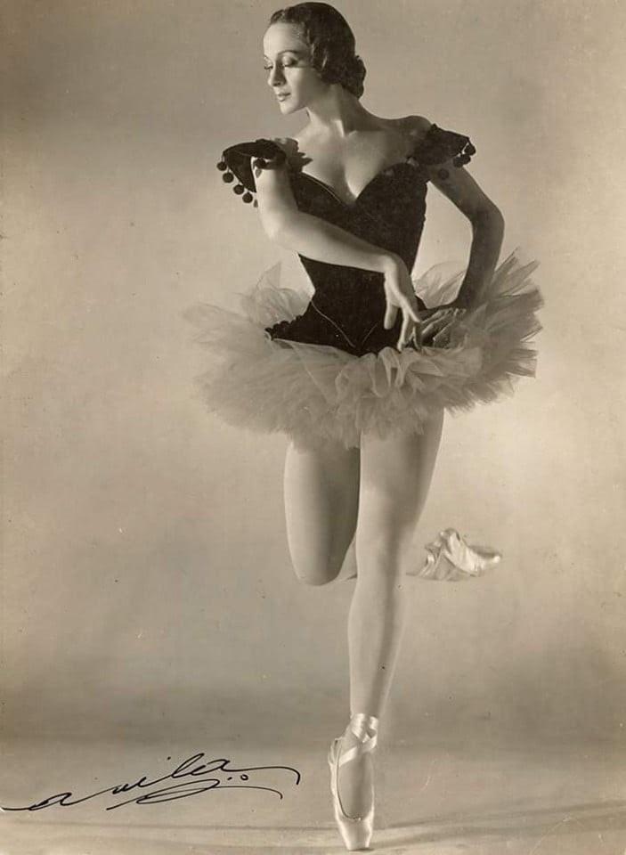 Tatiana Leskova faz um passo de balé