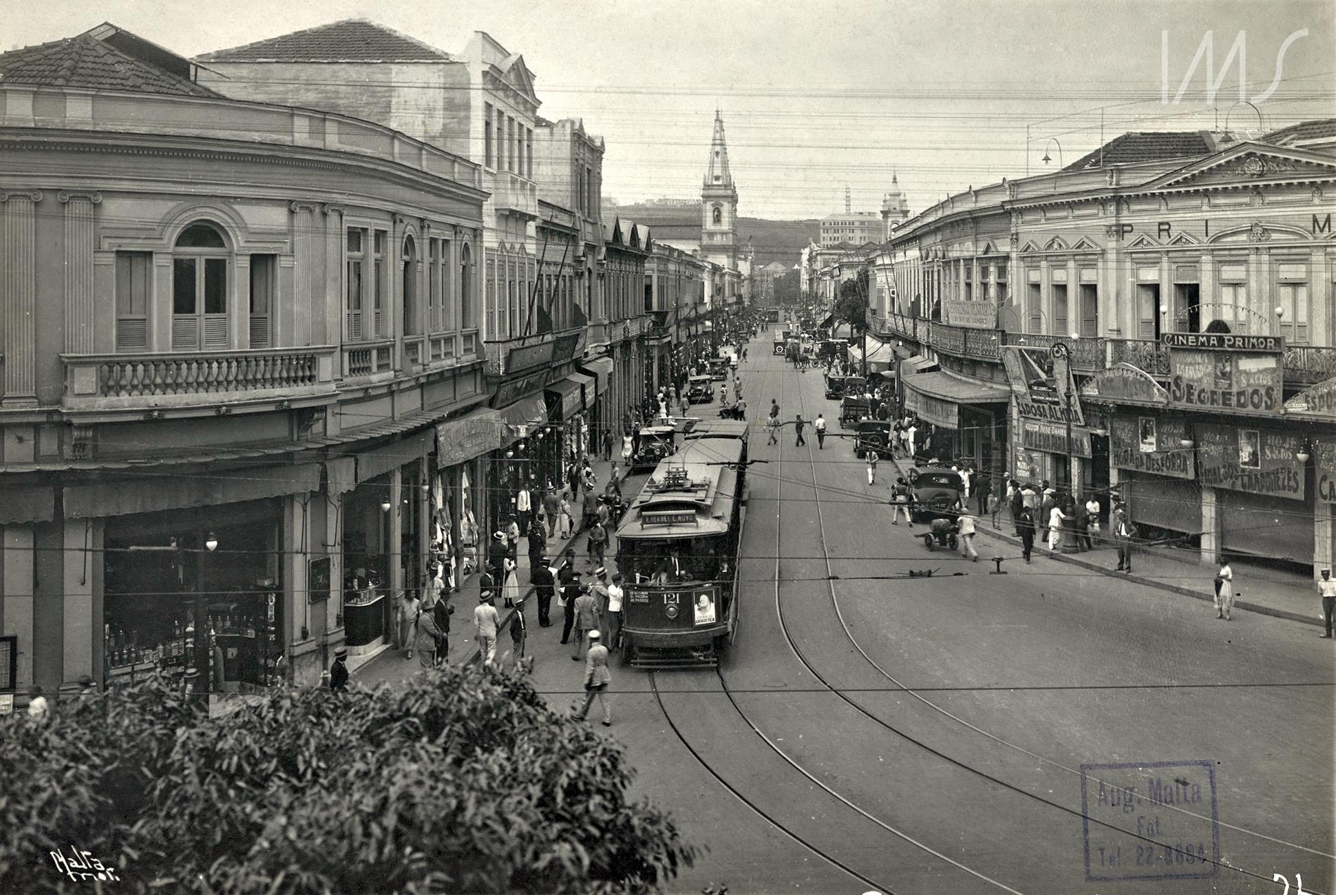 Foto antiga da Avenida Passos