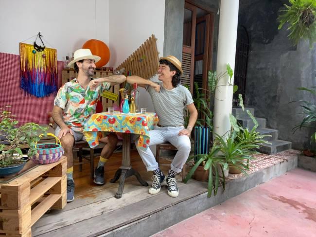 Silvio e Ernesto criaram no Youtube e redes sociais o projeto FoliOn, carnaval virtual.