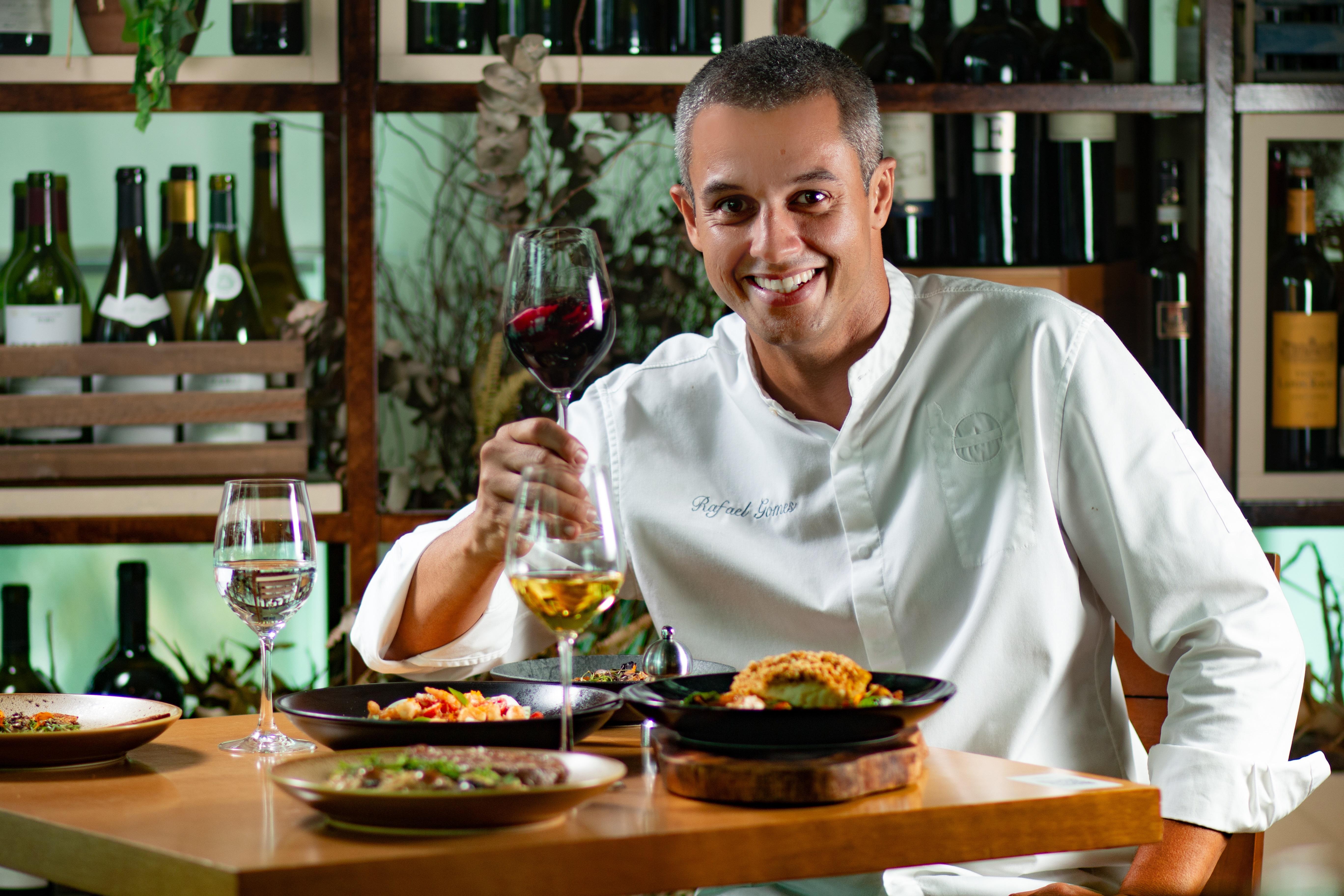 Rafa Gomes: o chef comanda o Itacoa Rio e a matriz, em Paris