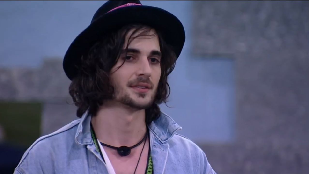 Foto do ator e cantor Fiuk no programa Big Brother Brasil.