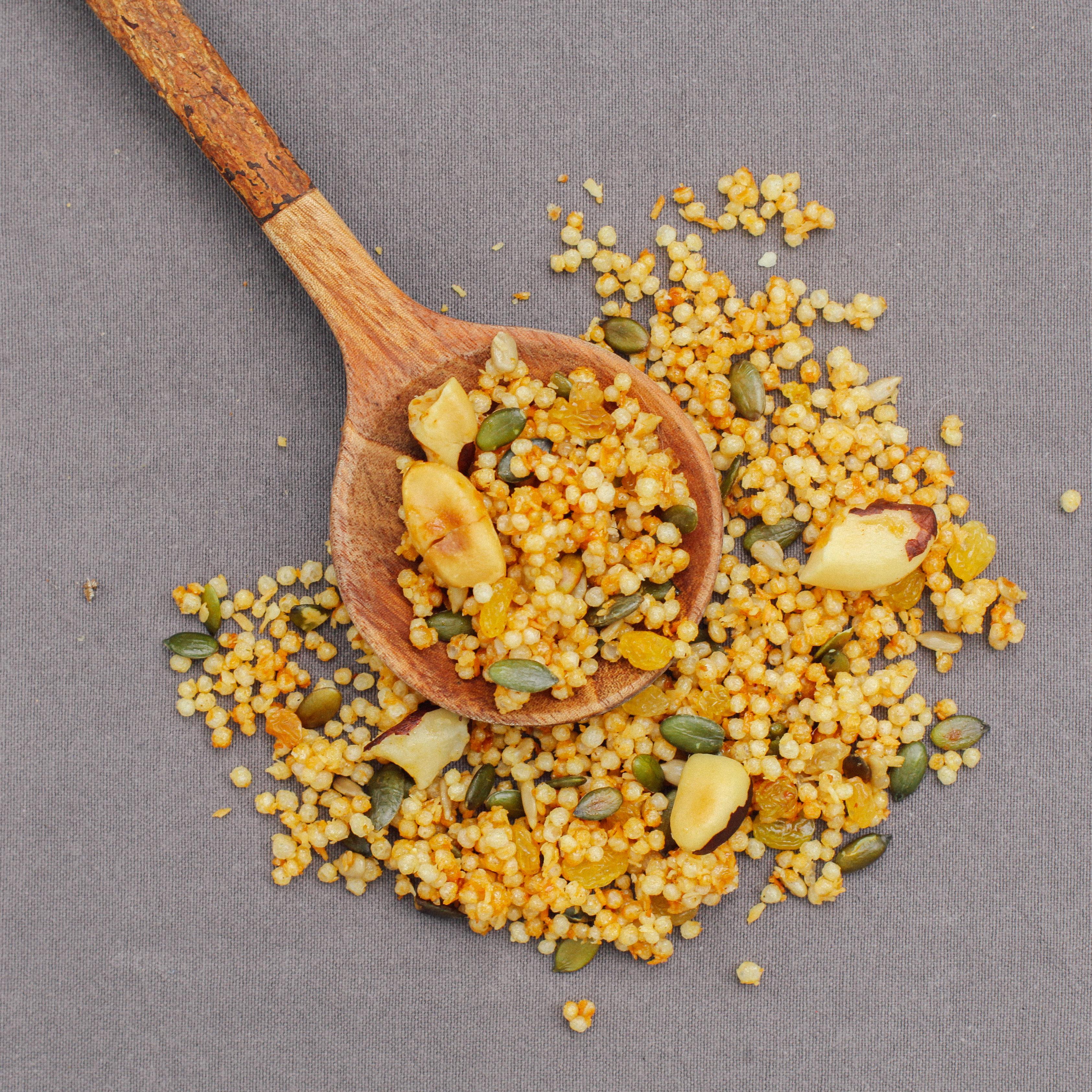 granola em colher de pau