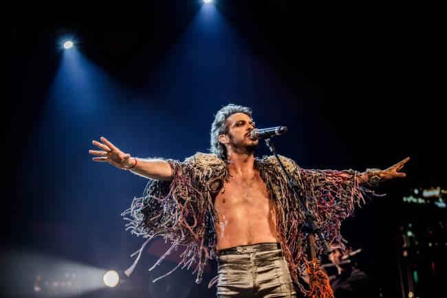 Almerio, que sobe ao palco com toda a força de sua voz e performance, já anunciou em suas redes que vai gravar Cazuza.
