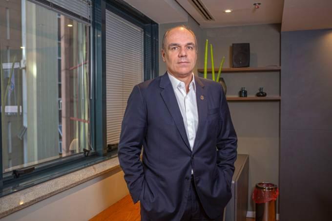 Dr. Dênis Calazans