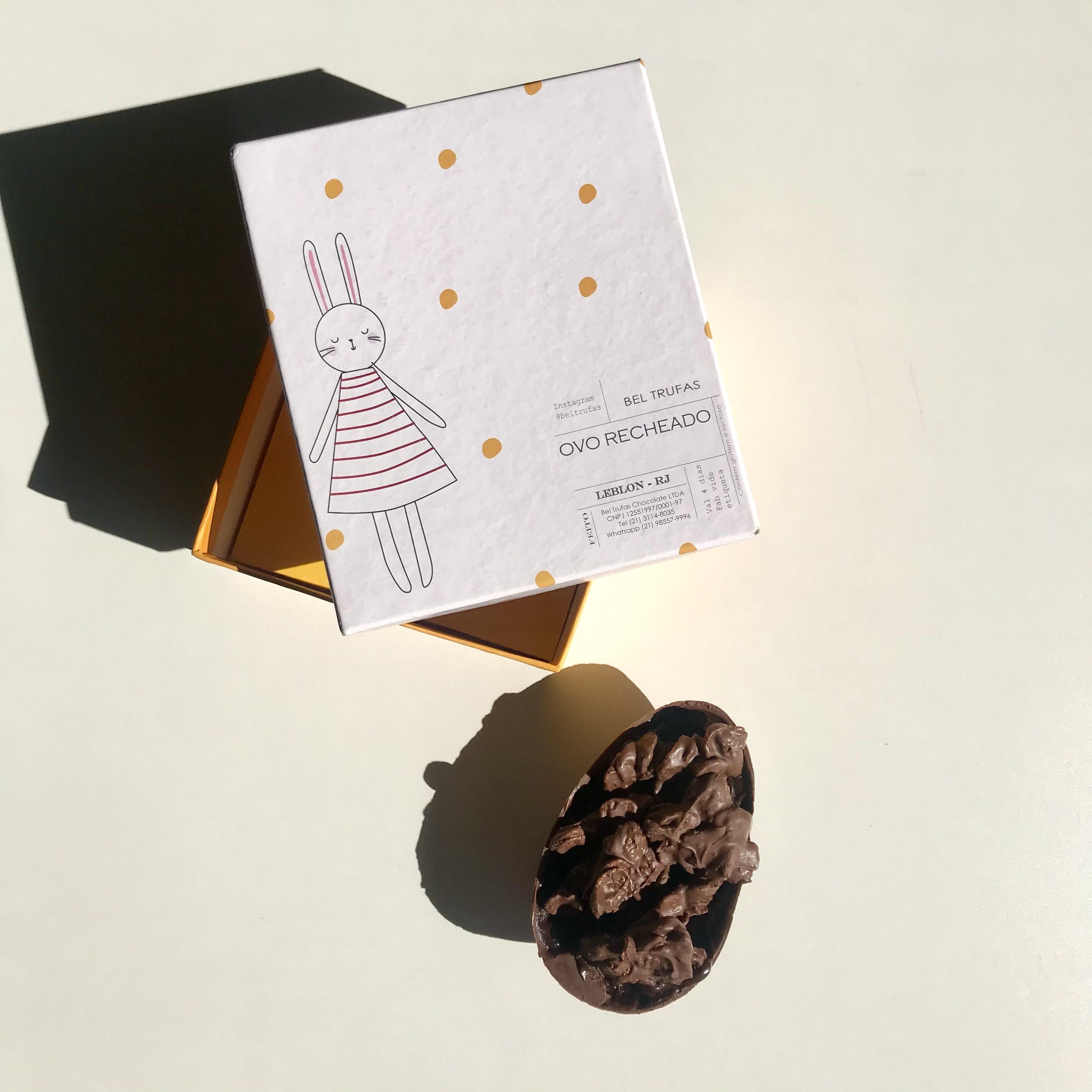 Bel Trufas: ovo recheado com montes (crocantes cereais envoltos em chocolate)
