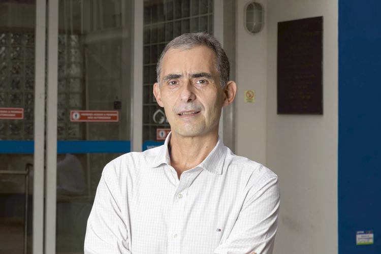"""O vice-diretor de produção de Bio-Manguinhos Luiz Lima: """"O maior desafio das nossas carreiras"""" -"""