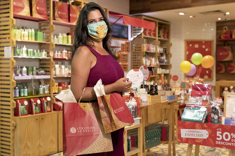 A relações-públicas Renata Busch: compras concentradas onde o reembolso é maior -