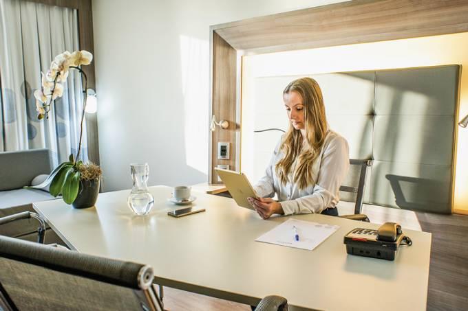 Room-Office-by-WOJO-Novotel-RJ-Porto-Atlântico.jpg