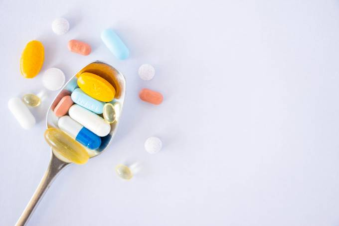 pills-KQ5FAEW