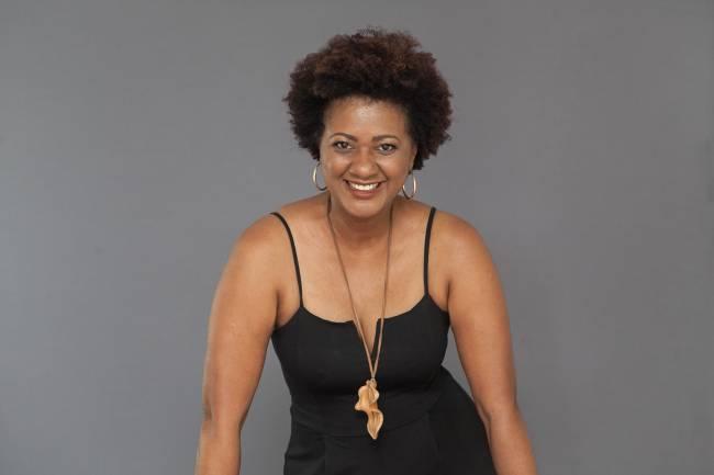 Nilze Carvalho se apresenta ao vivo amanha, às 21h, no projeto
